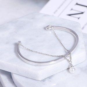 Henri Bendel Bead Pearl Chain Smooth Open Bracelet